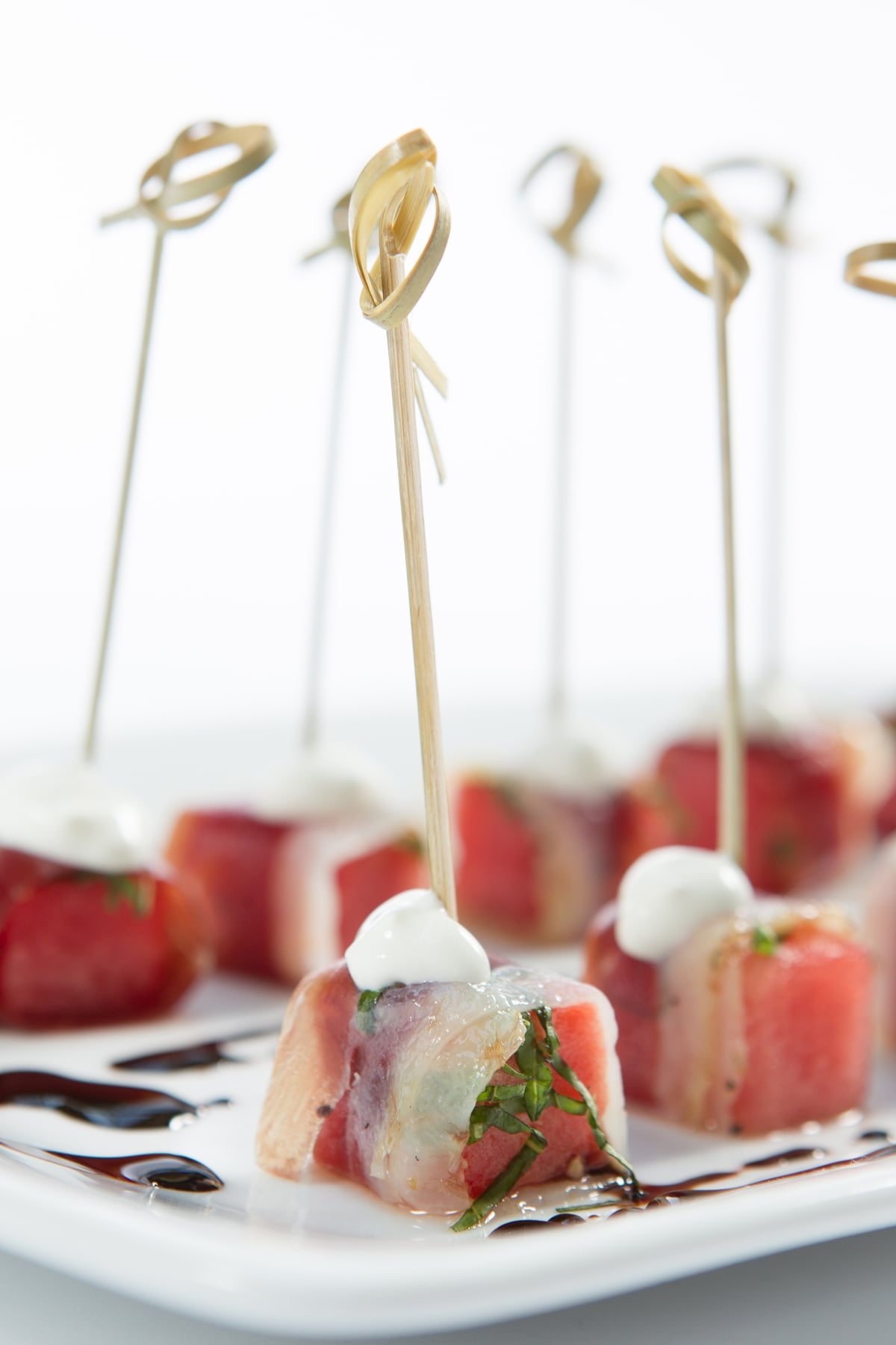 duck-prosciutto-watermelon-basil-balsamic-vinegar_12935507285_o.jpg
