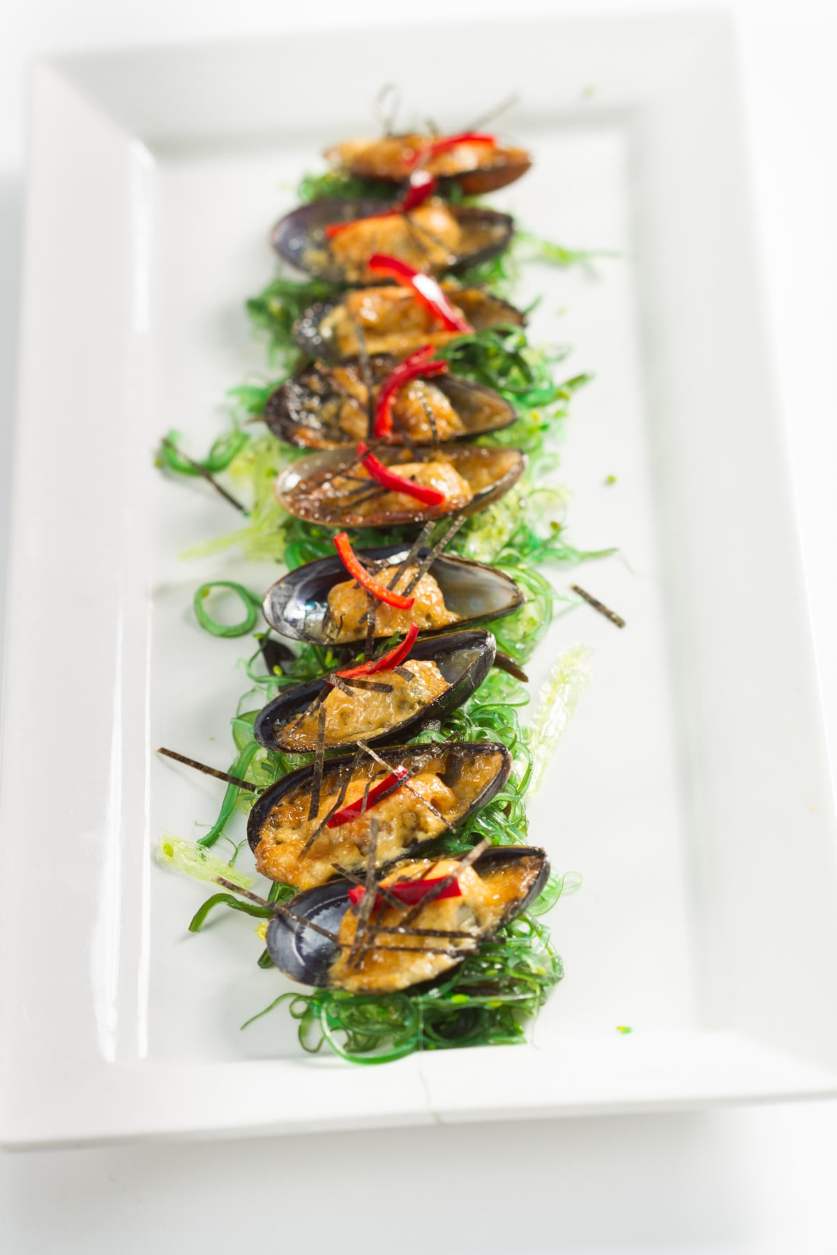 mussel-smoked-mayonaisse-nori-pickled-fresno-pepper_8577321799_o.jpg