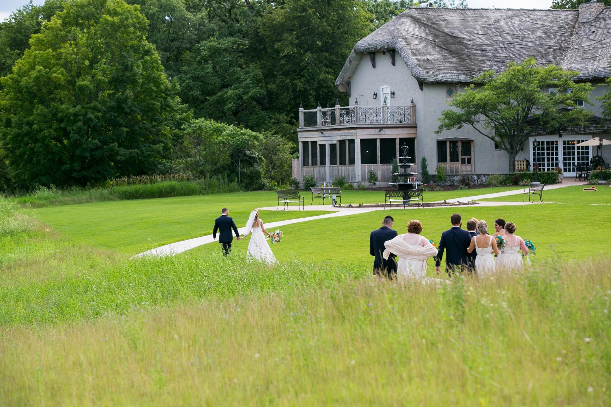 outside-ceremony-locations-minnesota-bavaria-downs81.jpg